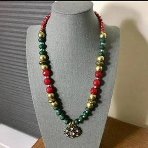 Jewelry - Red green and golden beads ethnic necklace